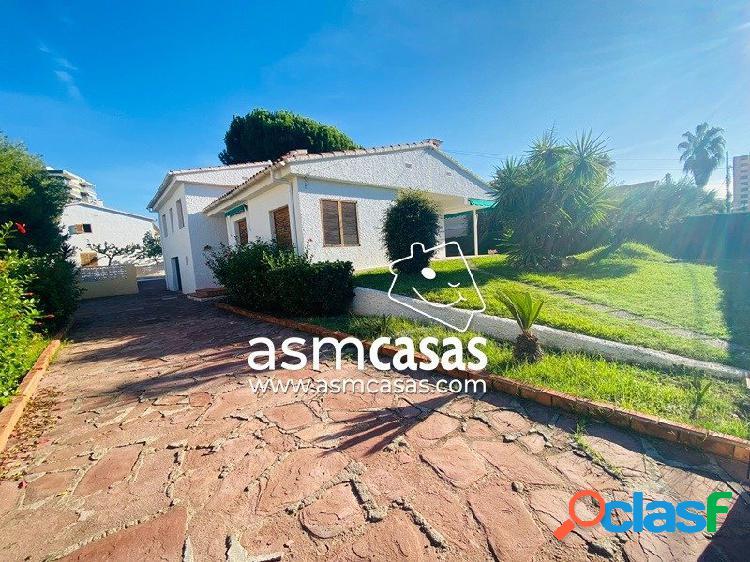 inmobiliaria en Benicasim vende villa en zona heliopolis