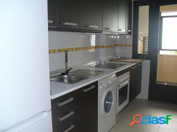 Apartamento de un dormitorio con cocina independiente,