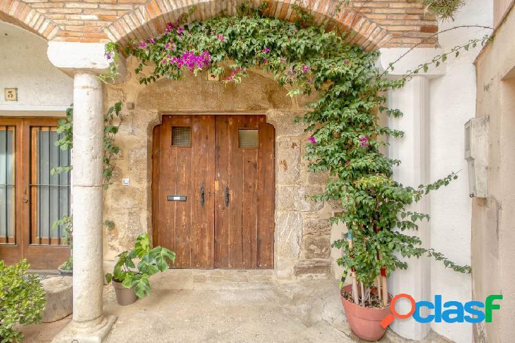Casa de pueblo con mucho encanto a Borrassà (8km de