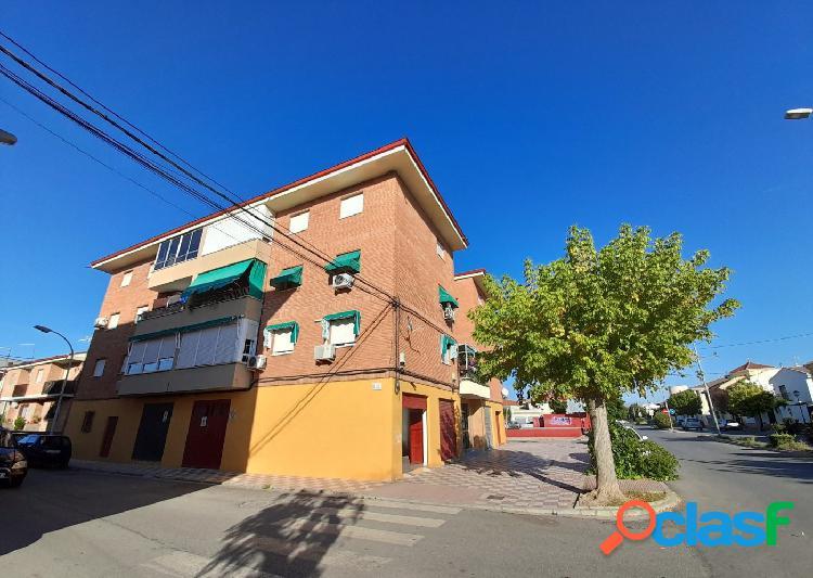 Local comercial de 56 m2 en Barrio de los Pintores de Santa