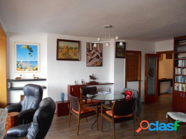 Precioso y luminoso piso de 130 m2 situado en Avda. Xile, en