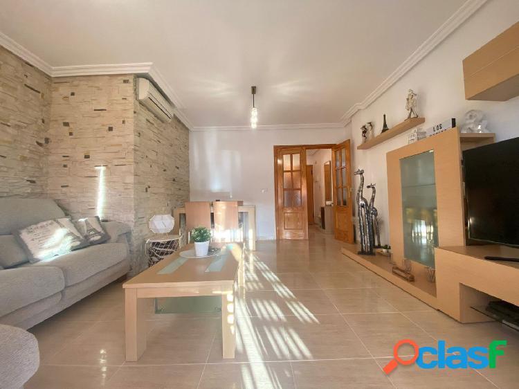 Se vende precioso piso en Barrio Peral